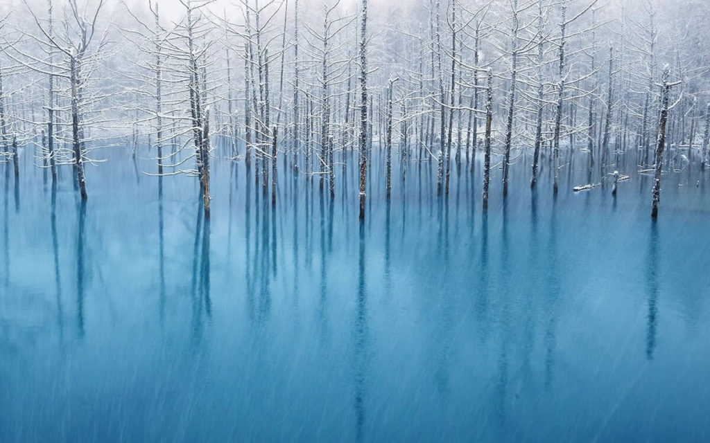 Погода в Японии голубое озеро