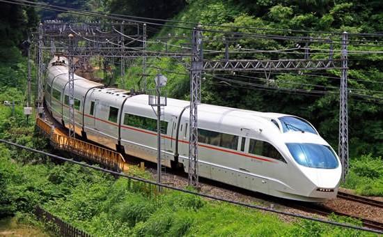 Японские поезда в пути